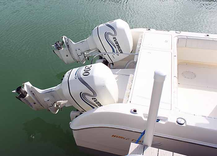 26.6'' WorldCat w/200 Twin Evinrude Engines